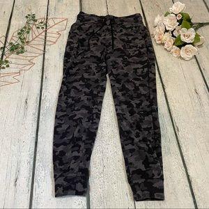 Lululemon 6 ready to rulu black camo joggers pants